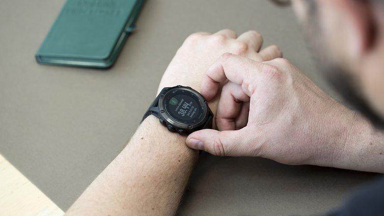 Как оплатить с помощью умных часов и возможности NFC в смартфоне