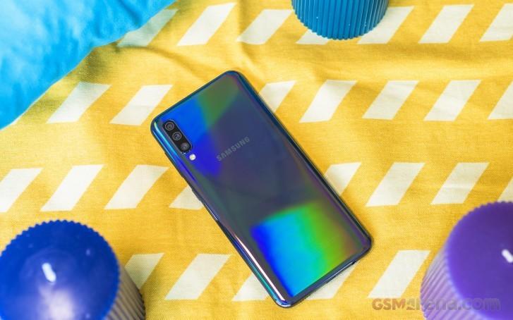 Samsung выпускает декабрьское обновление для Galaxy A50